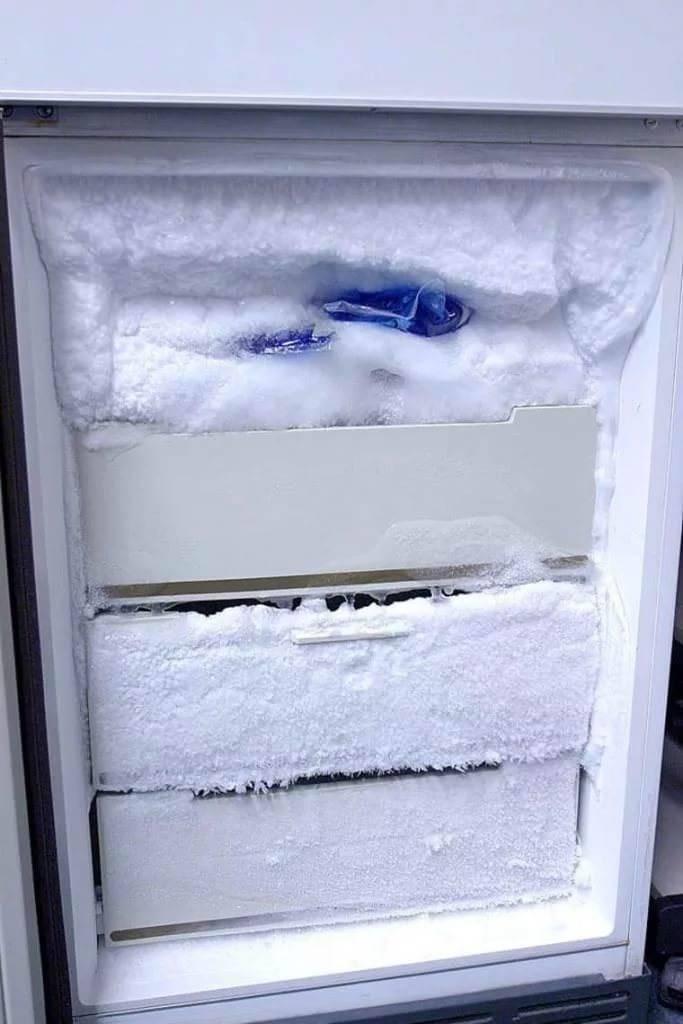 Как правильно размораживать холодильник, чтобы ему не навредить