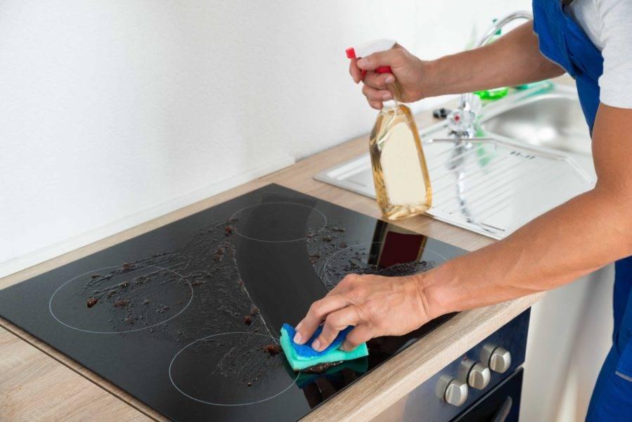 Чем чистить индукционную варочную панель: средства по уходу за поверхностью