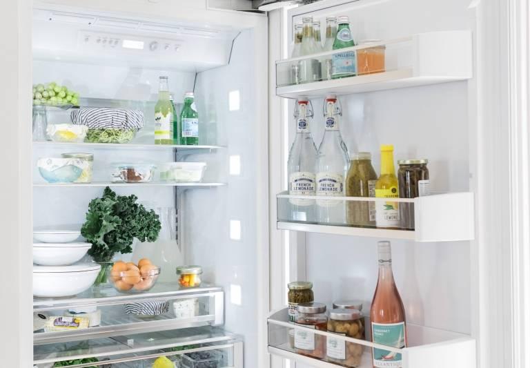 Как в холодильнике правильно хранить продукты – советы по размещению и правила соседства